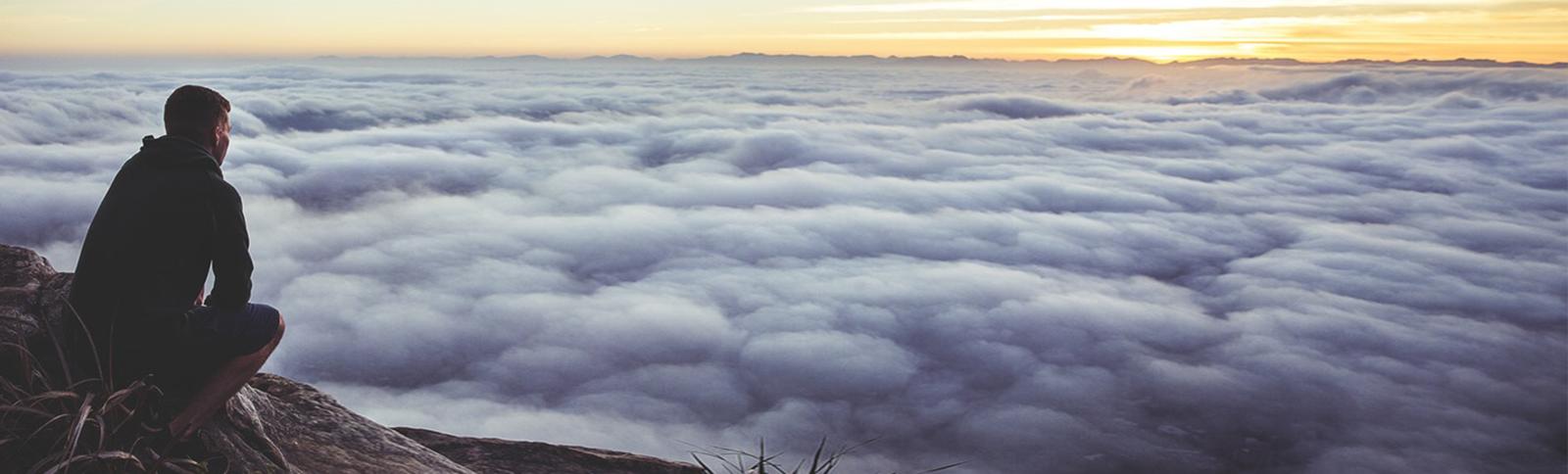 Wolken, Sonnenaufgang, Berg, beobachten, Reise, verweilen, Perspektive, Timeline, arbeit, Coaching, Drehbuch, Autor, Schriftsteller, Buch, zu ende schreiben, beenden, Hilfe, Systeme, Storytelling