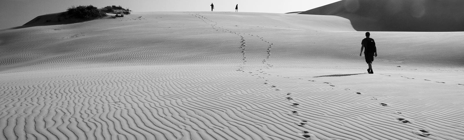 wüste, wueste, dünen, duenen, weg, wandern, reise, reisen, story, storytelling, geschichte, erzählen, erzaehlen, schreiben, Autor, Autoren
